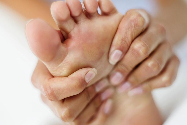 reumatoid artrit fötter